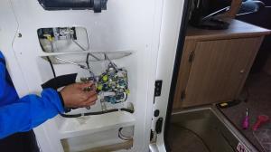 セレンゲティ エントランスドア修理