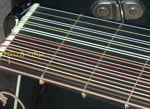 エアコンとリュート弦