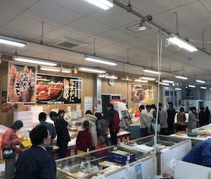 冬の味覚ハーレーに乗って賀露港へ海鮮丼!