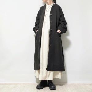 〇〇*着画*オフィサーカラーぷっくり袖コート……ポチッとしたもの〜。〇〇