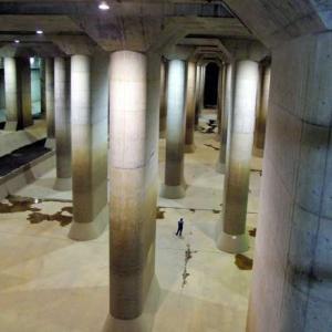 地下神殿が都市を救う