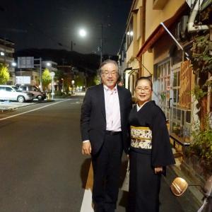 月はおぼろに東山~二回目インタビュー:黒着物にイシスのジャワ更紗帯締めて