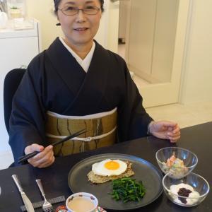 自分でデザインし自分で染めて自分で織った紬の帯締めて!京都マラソンの雨の京都で