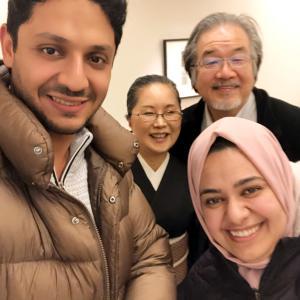 大人の赤の木綿帯で、おうち寿司パーティー!イエメンの学生と論文お祝い