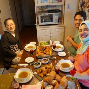 イエメンの手作り家庭料理の初体験!墨茶紫夏単衣に絹芭蕉金更紗の帯締めて