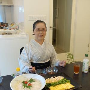 高知市美術館「ゆかたと藍の世界」展に武美さんが出展!藍絣の麻帯締めて