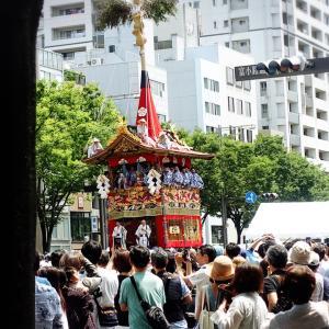 2年前の祇園祭り見物人こだわり着物姿ウォッチング(その1)