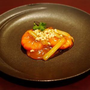 幻の小千谷絹縮みに絹芭蕉に滲みの墨珠(すみだま)模様の帯で、広東料理へ