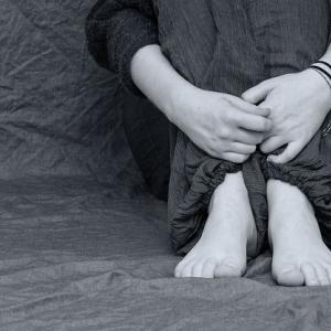 うつ病はネガティブな感情が生まれてくること自体が、症状です。