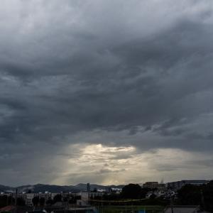 7月26日(日)夕方もう一歩き-豪華な雲