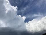 怪しげな雲