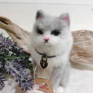 『えこりこ』さん、『*ネコに雫*』さんの作品紹介です。