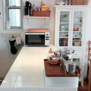 乱れたキッチンカウンター上を片付けて、断捨離&整理しました。