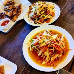 タイの東北地方の料理「イサーン料理」を食べてきた
