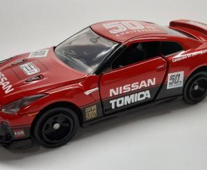 トミカ・50周年 日産GT-R