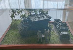 タミヤ・M577コマンドポスト(10)
