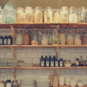 作り付け vs 購入!新築時の食器棚に選ぶのはどっち?