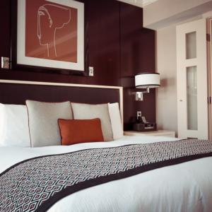 ベッド vs 布団 主寝室に選ぶのはどっち?
