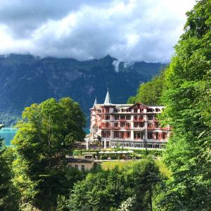 休暇 ホテルと滝