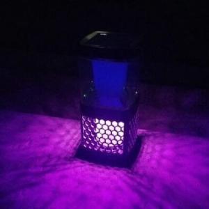 電撃殺虫器「モスキーターZ」をお外に置いて効果を検証。