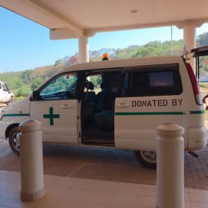 村の診療所への巡回も行っています