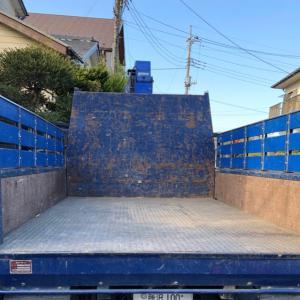 ゴミ捨てを産廃業者に頼むといくらかかる?