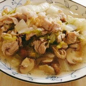 マッシュルームの出汁が美味しい!豚肉と白菜の洋風蒸し煮