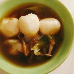 秋田名物だまこ入りきのこ汁と牡蠣の白ワイン蒸し