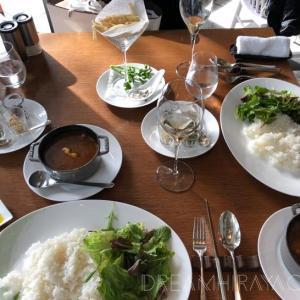 パレスホテル東京 グランドキッチンおすすめランチ!絶品カレーとオニオングラタンスープとクリームブリュレなど