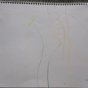 【0歳9ヶ月】お絵かき開始から3週間の成果は?カラフルな雨!