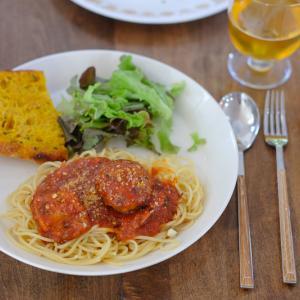 スパゲティミートボールのディナー&とってもきれいなゴールデンビーツ。