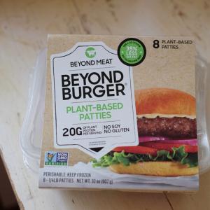 話題のヴィーガンバーガー、「Beyond Burger」を食べてみた♪