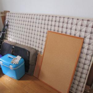 ベッドを捨てたら部屋が広くなりました(笑)