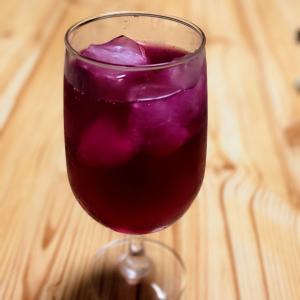 赤紫蘇ジュースとeSIMカード