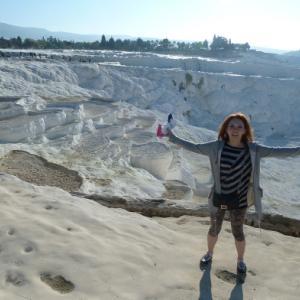 パムッカレ(綿のお城)で石灰棚…温泉の中の遺跡♪