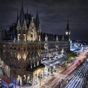 ロンドン旅行・・・無料宿泊ホテルの選択を始めました