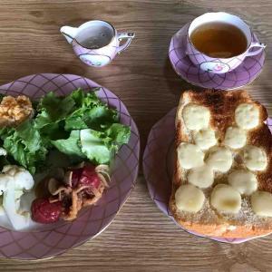 6月26日朝食、ブルーベリータルト、夕食