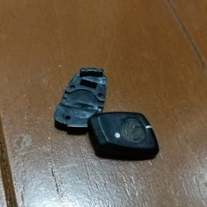 ZWIFT中に後輪のセンサー用マグネットが弾け飛んだ!