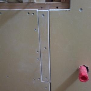 壁の下地とPB貼り付けに苦戦