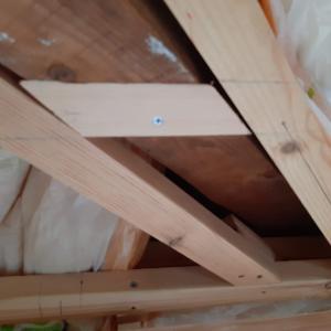 ロフトの壁・天井 粛々と