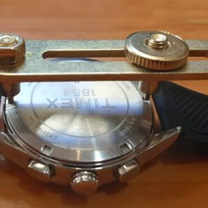 腕時計の電池交換って100円程で出来るんです!
