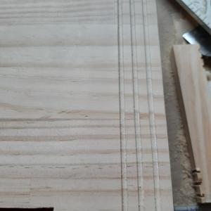 ロフト階段施工③ 滑り止めの溝作り