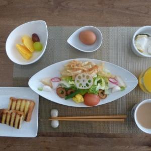 朝食はシーザーサラダ!