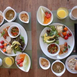 朝食はトルティージャとZuppa di verdura!!