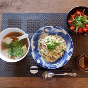 ランチは香菜・・炒飯とスープ餃子!