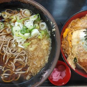 【東京都】立喰そばうどん君塚の温そばとかつ丼のセット