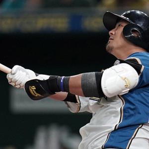 中田翔←プロ13年で257本塁打