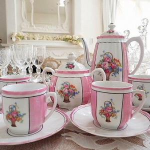 ★☆ 花かごモチーフ ピンクのカップ&ソーサー(在庫4客) ★☆