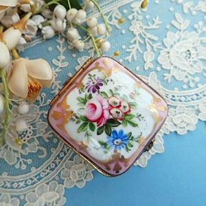 ★☆ 薔薇紋 ピンクのリモージュボックス ★☆
