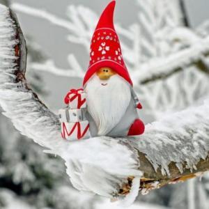 クリスマス準備。無印良品のリースとシンプルおしゃれなツリーでさりげなく飾り付け